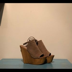 22dc5b985f7 Steve Madden Shoes - Steve Madden Bonelli Wedges